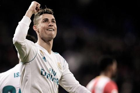 Ronaldo, Salah linh xuong hang cong doi hinh ket hop Real - Liverpool hinh anh 12