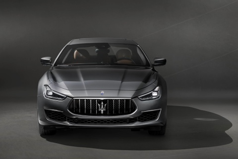 Maserati ra mat Ghibli GranLusso the he moi hinh anh