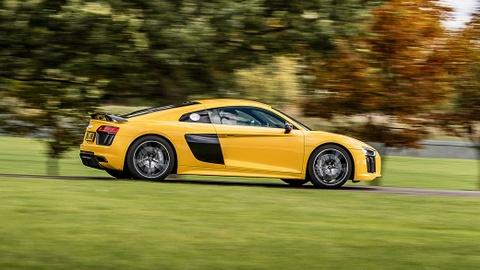 Audi R8 do 2500 ma luc dat van toc gan 400 km/h hinh anh