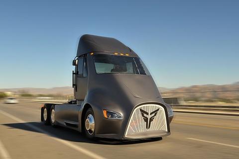 Thor Trucks ET-One - sieu dau keo dien thach thuc Tesla Semi hinh anh