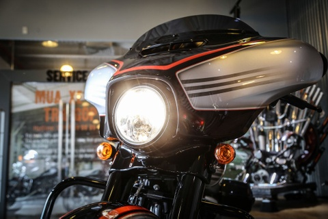 Harley-Davidson Street Glide Special 2018 doc nhat tai VN hinh anh 4