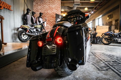 Harley-Davidson Street Glide Special 2018 doc nhat tai VN hinh anh 5