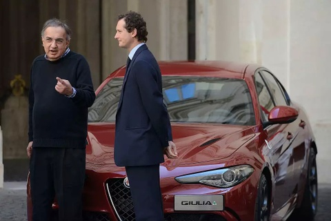 Huyen thoai cua Fiat Chrysler qua doi o tuoi 66 hinh anh 2