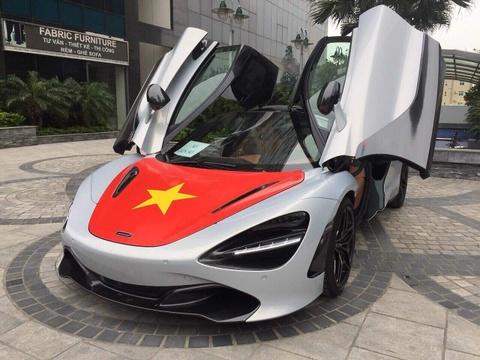 Sieu xe McLaren 720S len co co vu tuyen VN truoc tran chung ket hinh anh