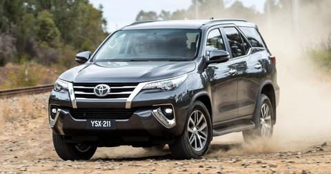 Toyota bi kien hang loat vi loi bau loc khi thai hinh anh