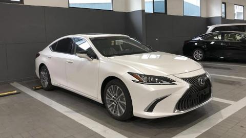 Lexus ES 250 sap ban tai VN, gia 2,5 ty dong hinh anh