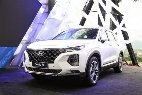 Hyundai Santa Fe ban 'bia kem lac' chenh 100 trieu, hang noi gi? hinh anh 1