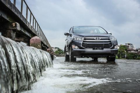 Toyota Innova, Kia Morning duoc mua di ban lai nhieu nhat o VN hinh anh