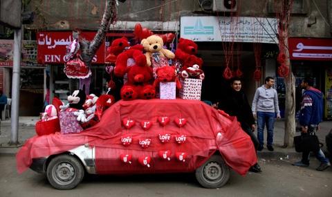 Nhung man to tinh bang xe hoi 'don tim' trong ngay Valentine hinh anh