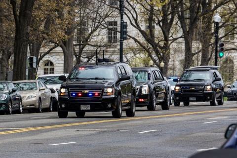 Chevrolet Suburban: 'Manh tuong' trong doan xe bao ve Donald Trump hinh anh 13