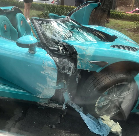 Koenigsegg CCXR doc nhat the gioi cua cuu Thu tuong Qatar gap nan hinh anh 2