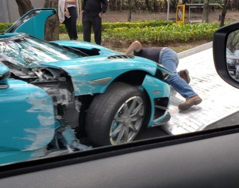 Koenigsegg CCXR doc nhat the gioi cua cuu Thu tuong Qatar gap nan hinh anh 3
