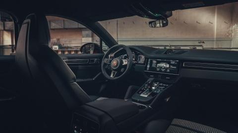 Porsche Cayenne Coupe moi ra mat, gia tu 81.500 USD hinh anh 10