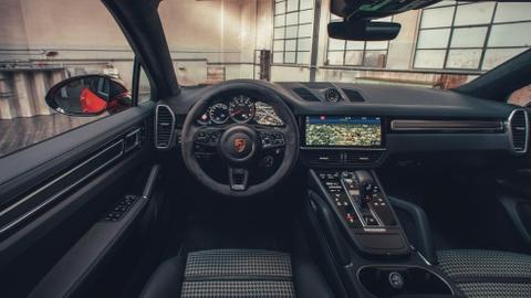 Porsche Cayenne Coupe moi ra mat, gia tu 81.500 USD hinh anh 8