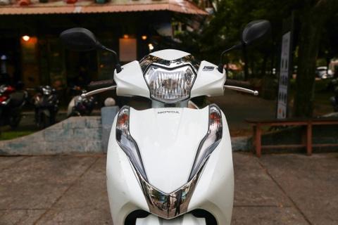 Xe tay ga cho nu: Yamaha Latte qua kho de gay ap luc len Honda Lead? hinh anh 4