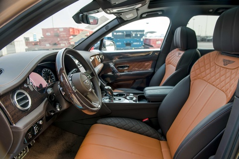 Can canh Bentley Bentayga V8 ban ky niem 100 nam dau tien o VN hinh anh 7