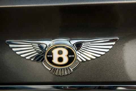 Can canh Bentley Bentayga V8 ban ky niem 100 nam dau tien o VN hinh anh 5