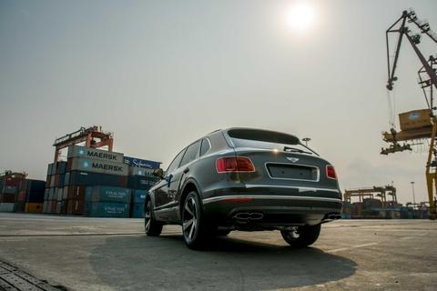 Can canh Bentley Bentayga V8 ban ky niem 100 nam dau tien o VN hinh anh 4