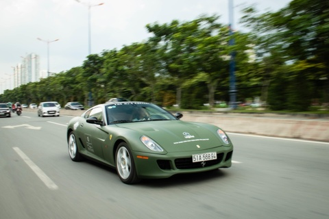 Ngam Ferrari 599 GTB duy nhat Viet Nam cua ong Dang Le Nguyen Vu hinh anh