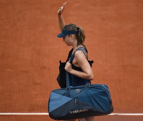 Sharapova thua chong vanh, Nadal thoat hiem tai tu ket Phap mo rong hinh anh