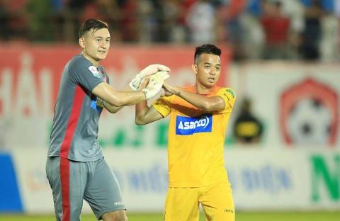 Van Lam duoc 'len may' sau khi giup CLB Hai Phong thoat thua hinh anh