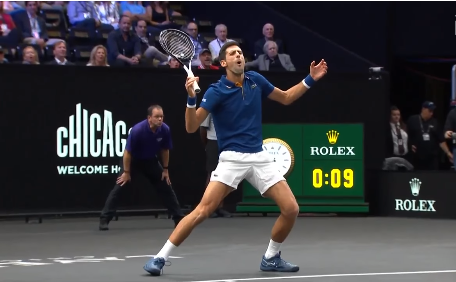 Djokovic khong may co cu danh trung nguoi Federer hinh anh