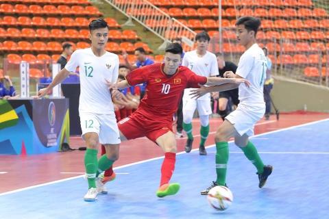 Viet Nam hoa kich tinh Indonesia tai vong loai U20 futsal chau A hinh anh