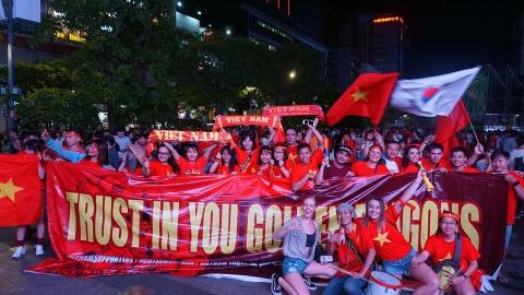 10.000 chữ ký tiếp lửa cho tuyển Việt Nam tại chung kết AFF Cup