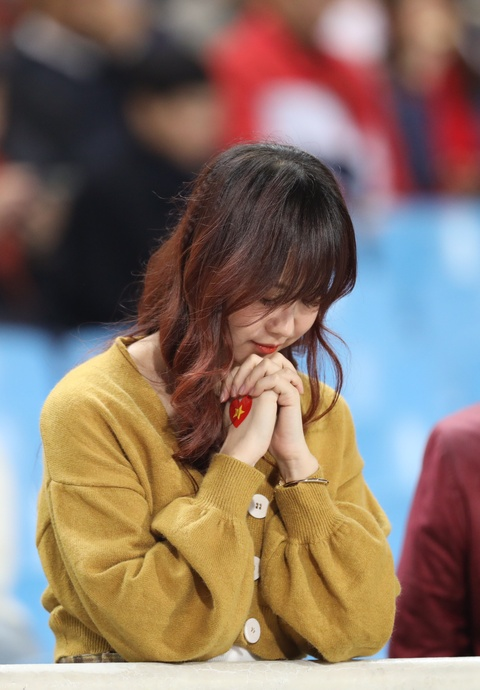 Ban gai Duy Manh rang ngoi truoc tran chung ket AFF Cup hinh anh 6