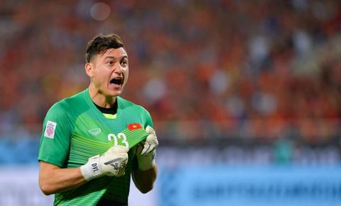 Van Lam lot top 5 thu thanh dang xem nhat tai Asian Cup 2019 hinh anh