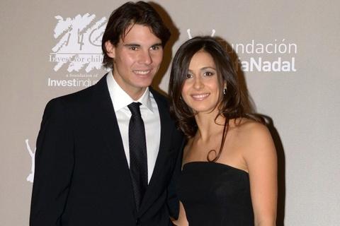 Rafael Nadal se ket hon voi ban gai Maria Perello sau 14 nam hen ho hinh anh