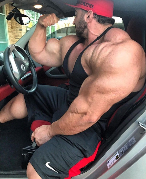 Luc si tang gan 100 kg sau khi tap gym hinh anh 8