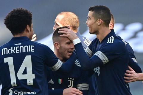 Ronaldo ghi dau an trong chien thang cua Juventus hinh anh