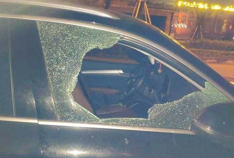 Truy tìm kẻ đập kính Audi Q5, trộm hàng chục triệu đồng