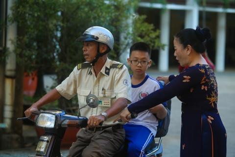 Hoc sinh thi khao sat bang tieng Anh vao truong noi tieng Sai Gon hinh anh 6