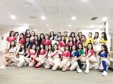 Chuyen hau truong gio moi ke cua dan hot girl 'Nong cung World Cup' hinh anh 1