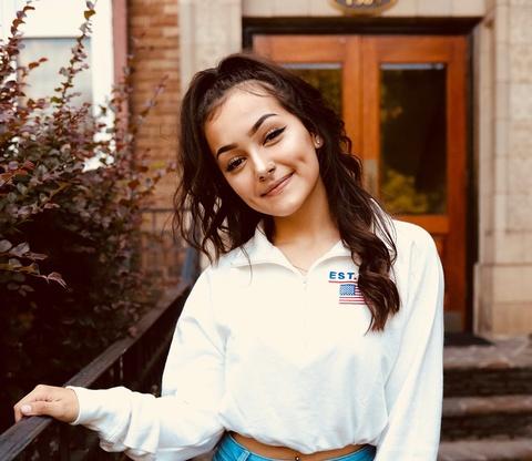 'Ban sao Ariana Grande' khoe vu dao voi Kiki Challenge hinh anh