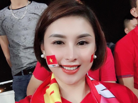 Nu co dong vien tro thanh 'thanh du doan' ban ket AFF Cup 2018 hinh anh