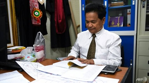 Chinh tri gia Thai Lan do xo den thay boi truoc cuoc bau cu hon loan hinh anh 1