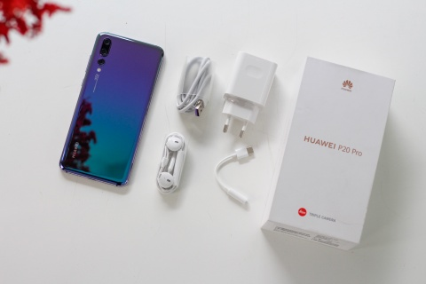 Mo hop va trai nghiem nhanh Huawei P20 Pro co 3 camera o VN hinh anh 1