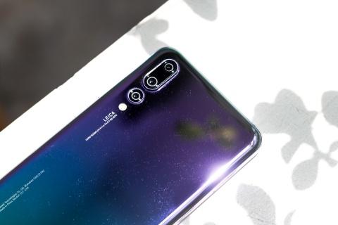 Danh gia nhanh Huawei P20 Pro chinh hang tai VN hinh anh