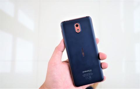 Trai nghiem nhanh Nokia 3.1: Thiet ke cung cap, man hinh 18:9 hinh anh