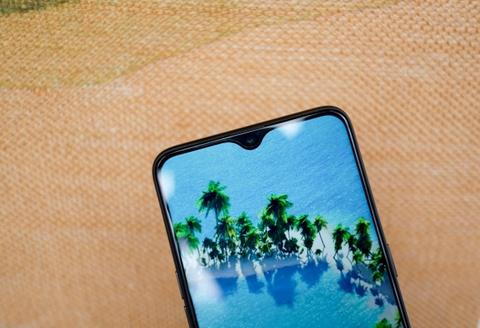 #Conenmua Oppo F9: Smartphone danh cho nu gioi hinh anh 5
