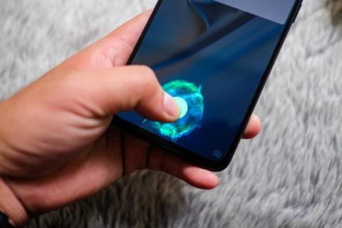 Chi tiet OnePlus 6T tai VN: Cau hinh cao, gia bang nua iPhone XS hinh anh 2
