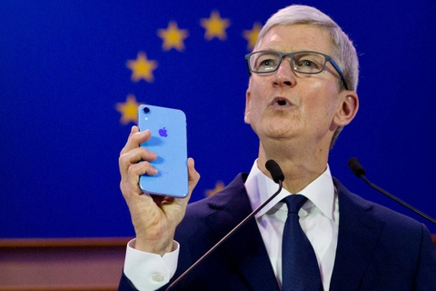 CEO Apple dung iPhone nhu the nao? hinh anh