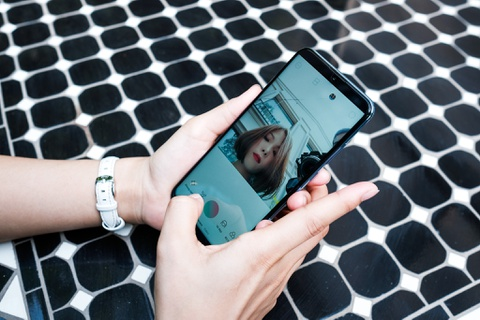 Danh gia nhanh Honor 10 Lite - camera selfie 24 MP, gia 5,3 trieu dong hinh anh 2