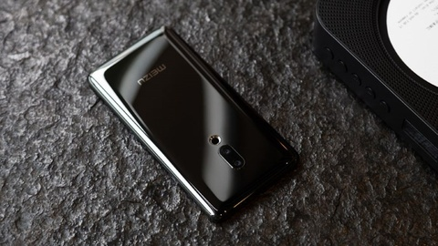 Nhung cong nghe dang chu y tren smartphone cao cap cua 2019 hinh anh 1
