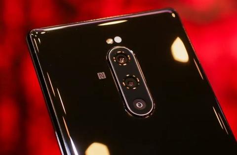 Sony ra smartphone dai bat thuong, 3 camera, co the khong ban o VN hinh anh 6