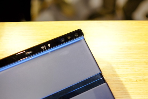 Chi tiet Huawei Mate X man hinh gap vua ve VN hinh anh 9