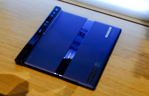 Chi tiet Huawei Mate X man hinh gap vua ve VN hinh anh 14